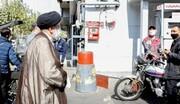 الرئيس الايراني يتفقد سير العمل بمحطات الوقود