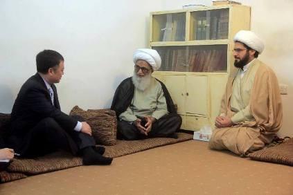 المرجع الديني سماحة الشيخ بشير النجفي وسفير جمهورية الصين تشن ويتشينغ