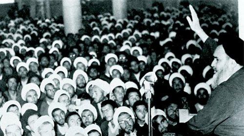 خطاب الإمام الخميني في المدرسة الفيضية يوم عاشوراء
