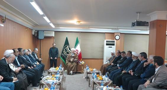 آية الله محسن الاراكي لدى استقباله اعضاء لجنة التقريب في مجلس الشورى الإيراني