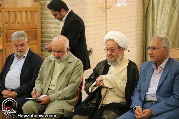 اجتماع لأئمة جماعة مدينة اصفهان