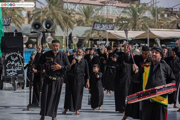 المواكب الحسينية تحيى ذكرى مصاب العطشان بكربلاء المقدسة