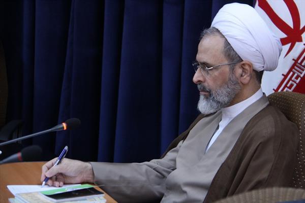 آية الله أعرافي رئيس حوازت العلمية في إيران