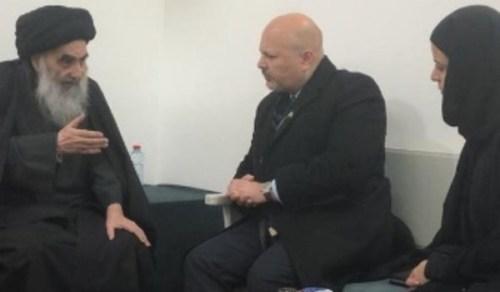 السيد السيستاني خلال لقاءه برئيس الفريق التابع للأمم المتحدة للتحقيق في جرائم داعش؛