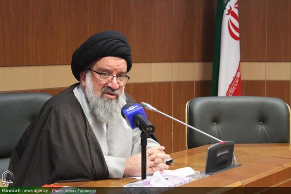 مؤتمر صحفي للناطق باسم مجلس خبراء القيادة آية الله السيد أحمد خاتمي بقم المقدسة