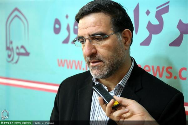 ممثل مدينة قم في مجلس الشورى الإسلامي أحمد أمير آبادي يتفقد مركز إعلام الحوزة العلمية بقم المقدسة