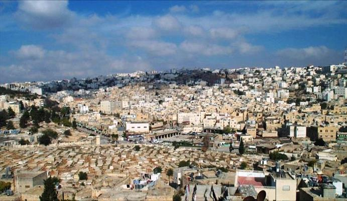 احتلال مساحات جديدة في الخليل بالضفة الغربية