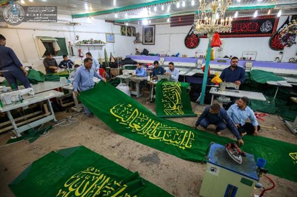 العتبة العلوية تنجز لافتات السواد الخاصة بذكرى استشهاد الإمام الصادق (عليه السلام )