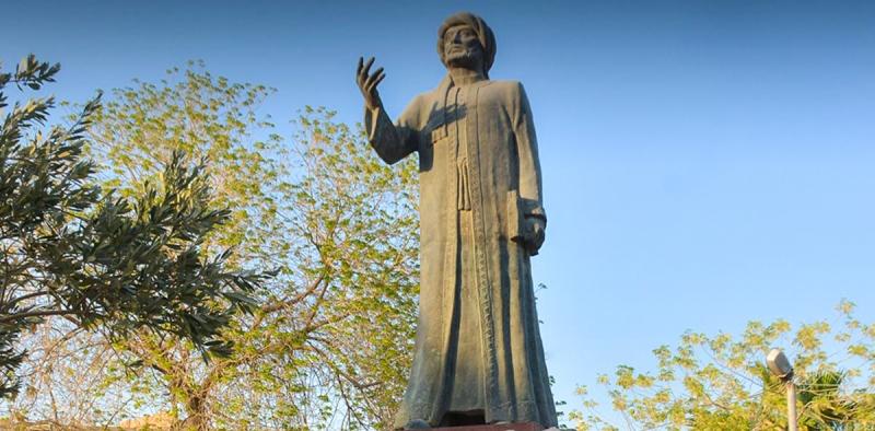 تمثال الشاعر صفي الدين الحلي