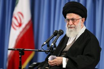قائد الثورة: العداء الأمريكي ضد إيران بدأ منذ انقلاب 1953