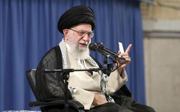 الأمريكيون مذعورون من أسباب قوة الشعب الإيراني ويحاولون إزالتها عبر خديعة التفاوض