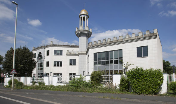 German government Orders children to visit mosques after parents refused school trip