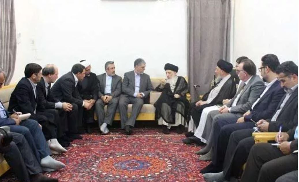 Grand Ayat. Hakim receives Iranian culture minister