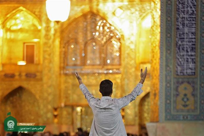 French young man converts to Islam at Razavi Shrine