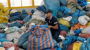 Palestinians receive ۱۰ tonnes of letters Israel withheld for ۸ years