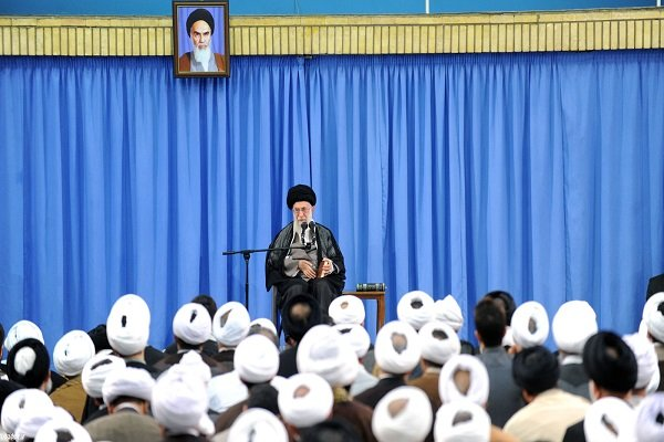Leader urges necessity of replacing retirees with youth