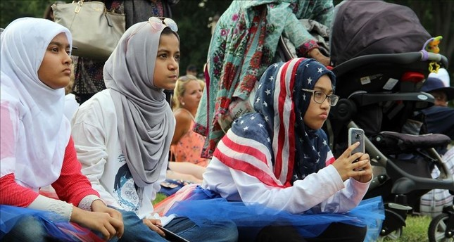 ۸ in ۱۰ Americans believe Muslims face more intolerance than any other group: survey