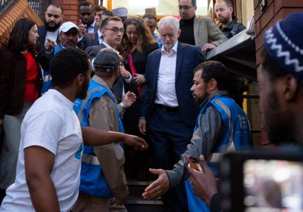 Jeremy Corbyn breaks fast with Muslim community to commemorate Finsbury Park mosque attack