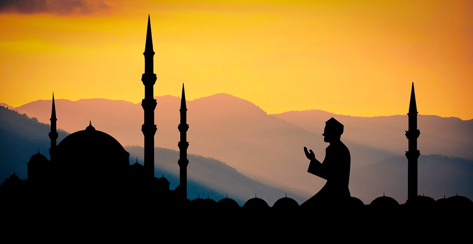 Non-Muslim teacher fasts Ramadan to support students