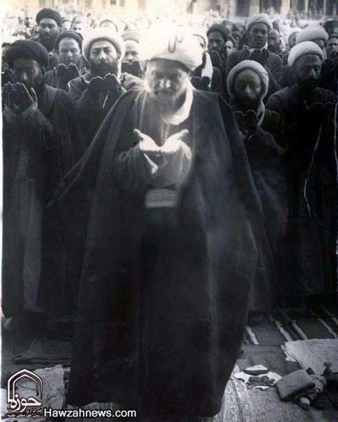 شیخ عبدالکریم حائری موسس حوزه علمیه قم با عمامه مزین تسبیح کربلا
