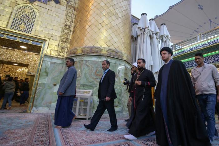 مشارو پاپ واتیکان به زیارت حرم امام علی(ع) مشرف شد