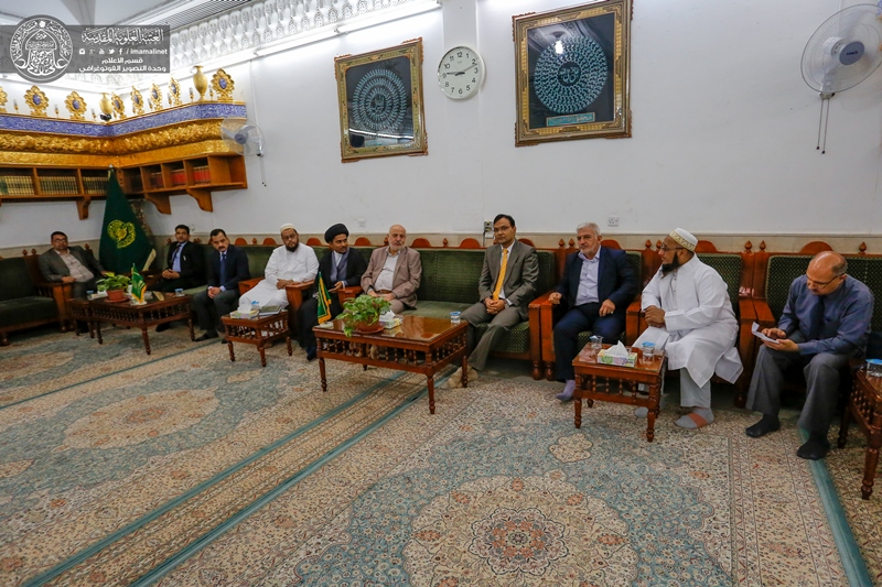 سفیر هند در عراق در حرم امام علی(ع)