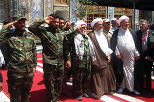احترام نظامی روحانی بسیجی عراق