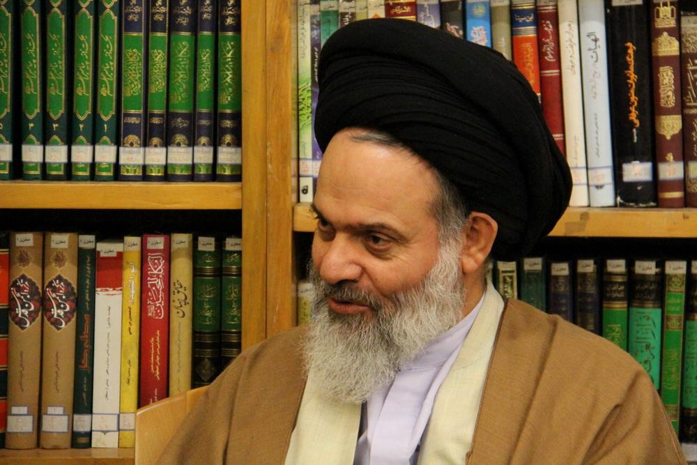 آیت الله حسینی بوشهری مدیر حوزه های علمیه