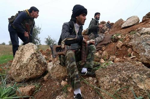 تروریستهادرحال بارگذاری موشکهای دست ساز