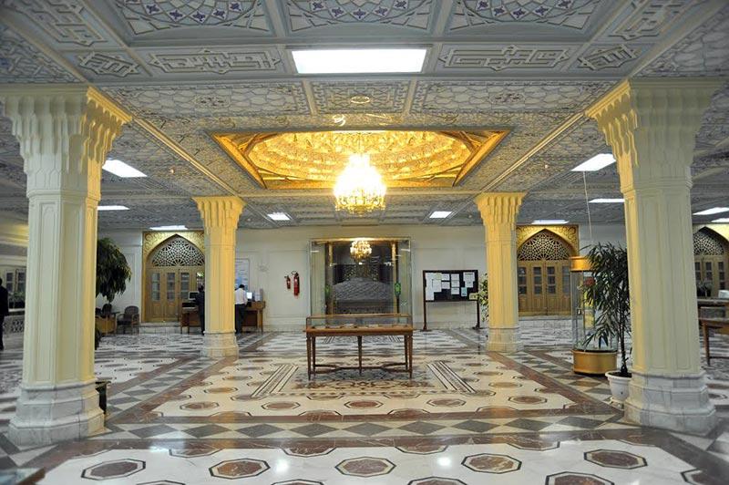 نمايشگاه «خورشيد قرن» در کتابخانه مرکزي آستان قدس رضوي