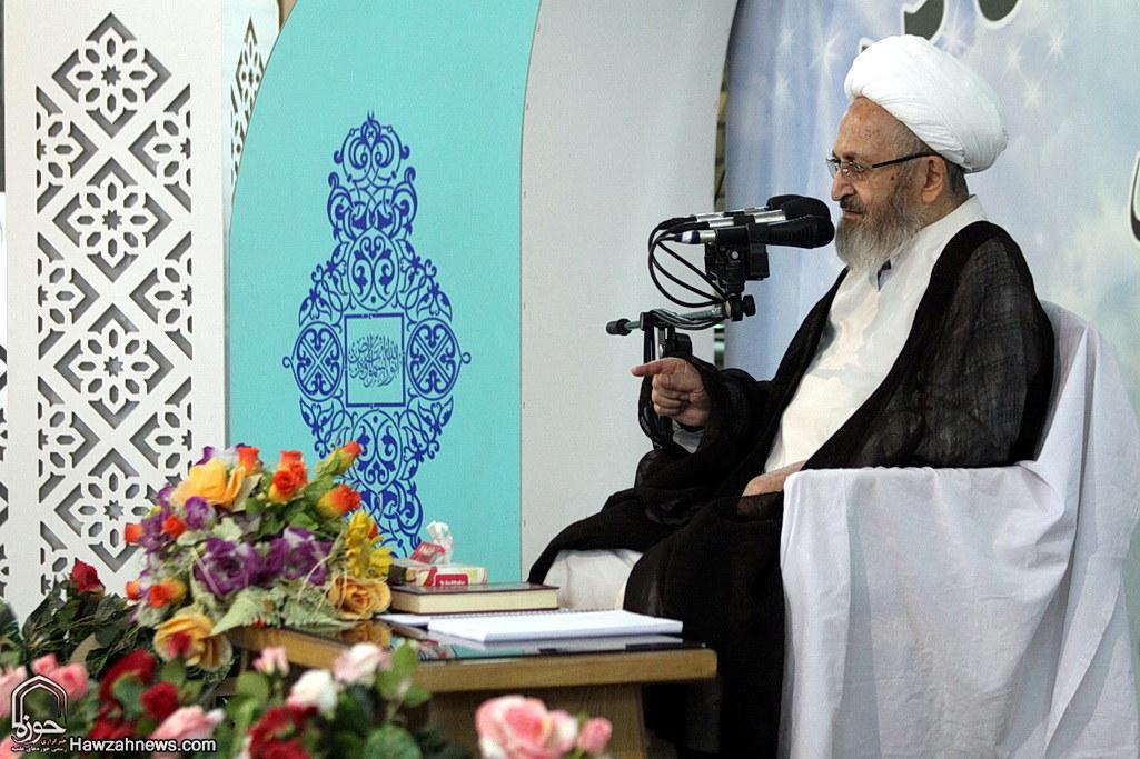 تصاویر/ جلسه تفسیر سوره مومنون توسط آیت الله العظمی سبحانی