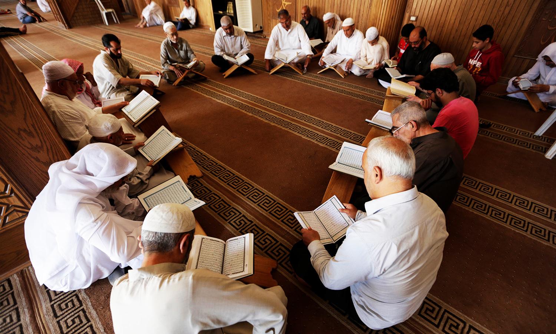 مسلمانان سوری در ماه مبارک رمضان در مسجد اعظم