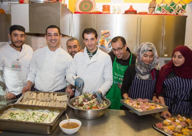 کافهای در لندن که به روزه داران غذای رایگان میدهد