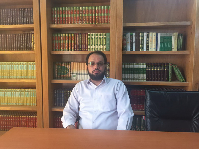 دکتر حسین زحمتکش زنجانی دبیر  جشنواره علامه شعرانی
