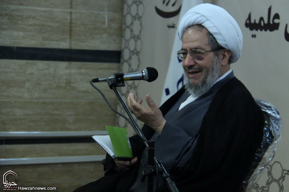 تصاویر/ بزرگداشت روز خبرنگار با حضور آیت الله مقتدایی در رسانه حوزه