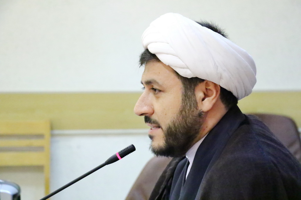 حجت الاسلام قنبری معاون آموزش جامعه المصطفی
