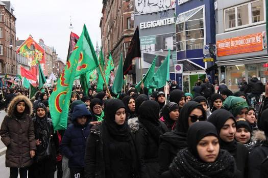پیاده روی عاشورایی ۱۵ هزار نفر از شیعیان در دانمارک