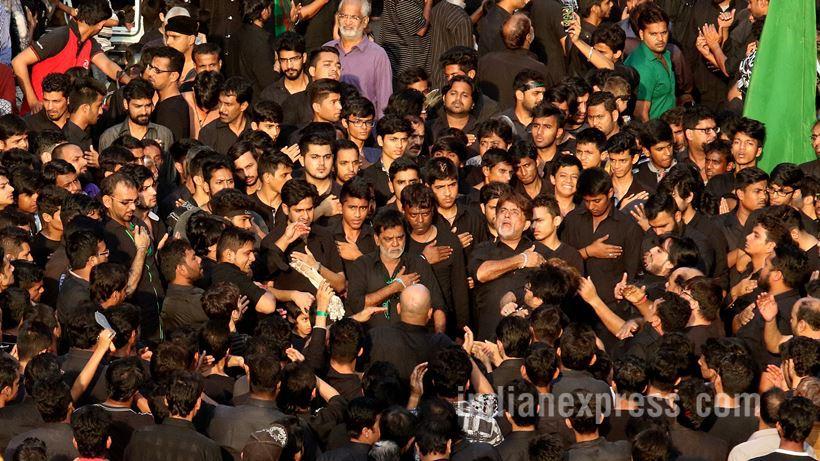 دسته عزاداران حسینی در بازار بندی در جنوب بمبئی