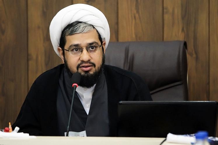 حجت الاسلام افضلی ، معاون پژوهش حوزه علمیه خوزستان و مدیر مدرسه مجازی فقه جعفری