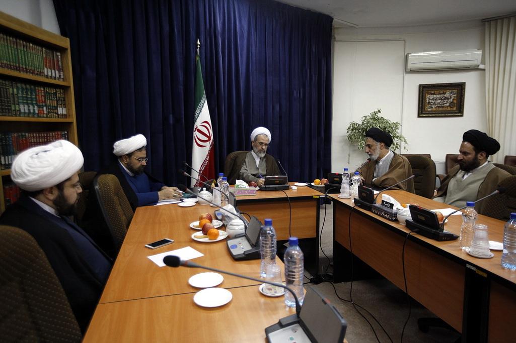 حجت الاسلام حسینی / مشاور وزیر فرهنگ و ارشاد اسلامی در امور روحانیت