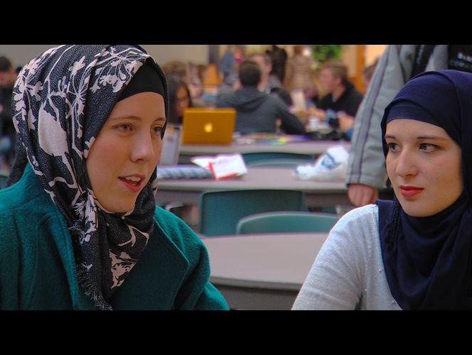 محجبه شدن دانشجویان دختر آمریکایی در حمایت از مسلمانان