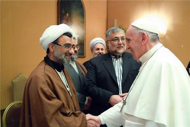 حجت الاسلام والمسلمین خسروپناه و پاپ
