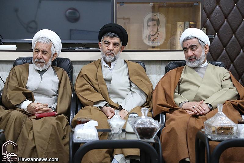 حضور هیئتی از سوی آیت الله مکارم شیرازی در خوزستان
