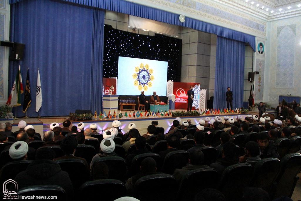 تصاویر/ اختتامیه بیست و دومین جشنواره بین المللی قرآنی و حدیثی جامعه المصطفی(ص)