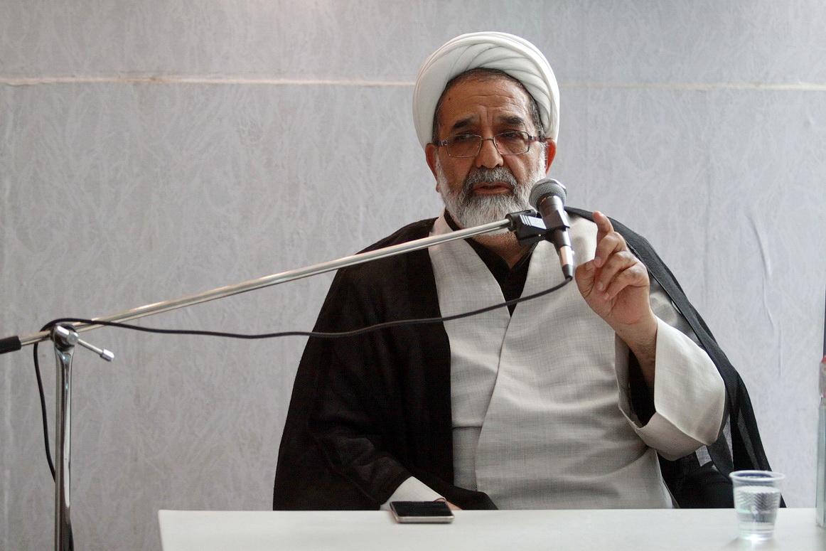 حجت الاسلام والمسلمین نبوی معاون تبلیغ و آموزشهای کاربردی حوزه های علمیه