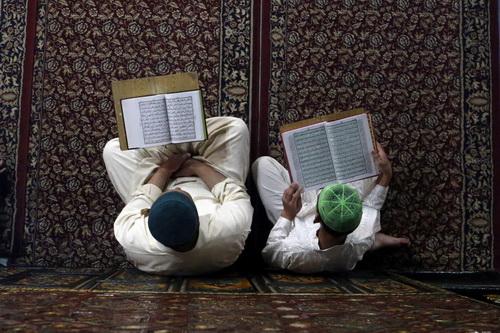 رمضان، ماه خدا،  در سرتاسر جهان باشکوه برگزار میشود