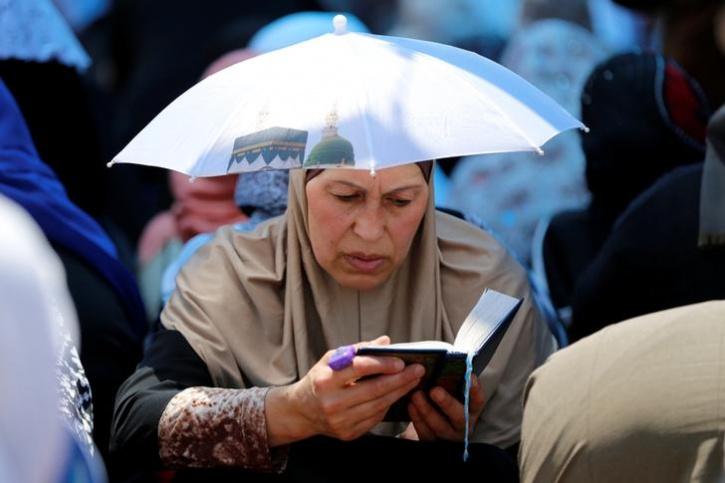 تصاویری از روزهداری و نیایش مسلمانان برخی کشورها