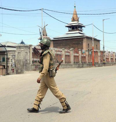 نماز جمعه در مسجد جامع کشمیر برگزار نشد