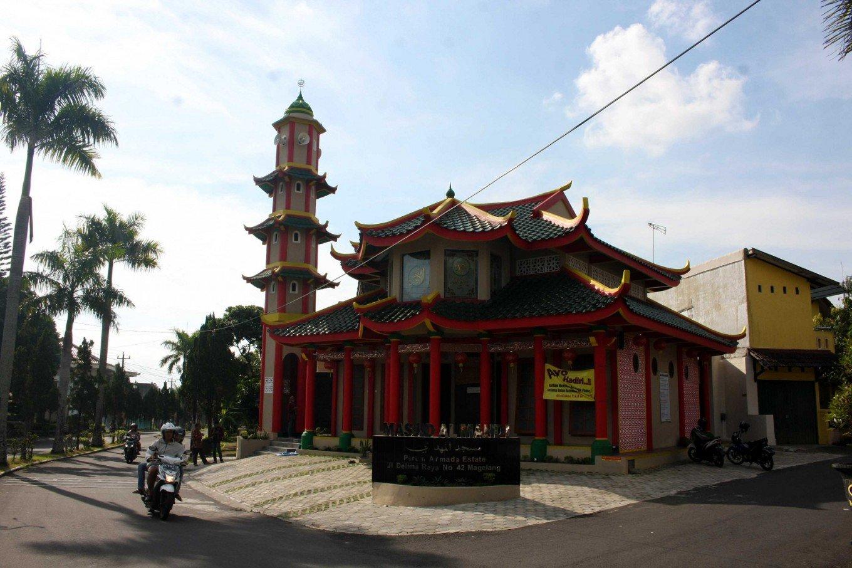 مسجد منحصر به فردی در اندونزی که ساختمانی شبیه معابد چینی دارد