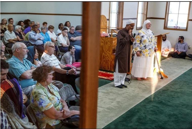 مسجدی در استرالیا درهای خود را به روی مسلمانان گشود + تصاویر